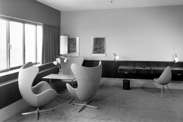 Arne Jacobsen SAS Royal Hotel Kopenhagen Copenhagen Nordic Design Antwort aufs Bauhaus Bröhan Annen Museum arnoldsche